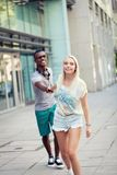 Happy young couple have fun in the city summertime Royalty Free Stock Photos