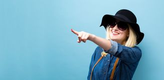 Happy young traveling woman Royalty Free Stock Photos