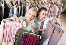 Happy young woman shopping jersey Royalty Free Stock Photography