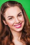 Happymodel joven atractivo con maquillaje brillante Fotografía de archivo