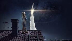 Haré astronauta y mosca al espacio Técnicas mixtas imagen de archivo