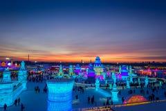 Harbin, China - 9. Februar 2017: Schönes und buntes internationales Eis Harbins und Schnee-Skulptur-Festival gehalten Lizenzfreie Stockfotos