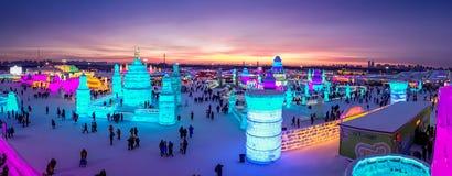 Harbin Kina - Februari 9, 2017: Harbin är internationell is och festivalen för snöskulptur en årlig vinterfestival det arkivfoto