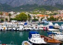Harboat alla città Makarska Immagini Stock