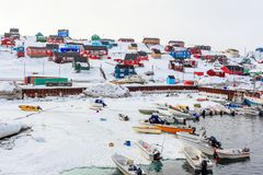 Free Harbor Area With Motorboats And Colorful Inuit Houses In Backgroung, Aasiaat City Stock Images - 144377454