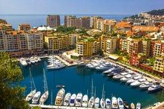 Harbor con le barche e gli yacht rappresentati nel Principato di Monaco, Francia del sud Fotografie Stock