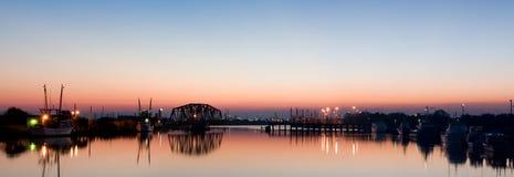 Harbor il panorama all'alba Fotografia Stock Libera da Diritti