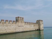 Harbor of the Scaliger Castle at the lago di Garda Stock Photography