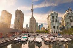 Harbourfront i i stadens centrum Toronto fotografering för bildbyråer