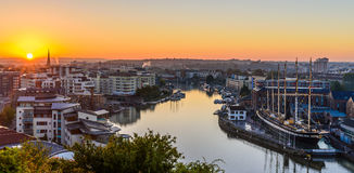 Harbourside de Bristol au lever de soleil Images libres de droits