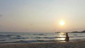 Harbpur de Kho Chang de la isla en Tailandia/el timelapse