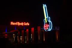 Hard Rock Cafe на ноче стоковые изображения rf