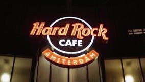 Hard Rock Cafe Amsterdam à la place de Leidse - AMSTERDAM - LES PAYS-BAS - 19 juillet 2017 banque de vidéos