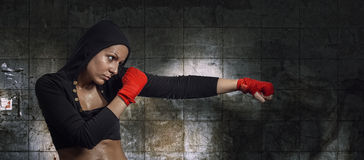 Pretty young woman doing exercise Royalty Free Stock Images