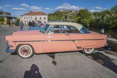 Hard-top 1954 de Ford Crestline 2dr Image stock