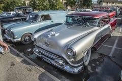 Hard-top 1954 de porte des vacances 2 d'Oldsmobile Photos libres de droits