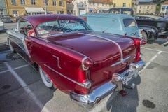 Hard-top 1954 de porte des vacances 2 d'Oldsmobile Photo libre de droits