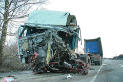 Harde vrachtwagenneerstorting Stock Foto