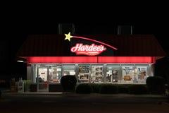 Hardee-` s Restaurant außen nachts Lizenzfreies Stockfoto