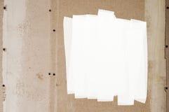 hardhoutmuur met een vlek van witte verf voor kleur stock foto