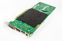 Hardware do cartão gráfico de computador Isolado no fundo branco imagens de stock