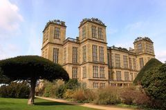 Hardwick Hall Elizabethan country house Derbyshire. Built between 1590 and 1597, Hardwick Hall is an Elizabethan country house in Derbyshire, England. Designed Stock Photo