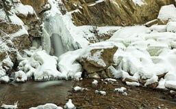Hardy Falls Peachland no Columbia Britânica valleynear Canadá de Okanagan Kelowna no inverno Imagem de Stock