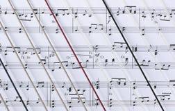 Harfe-Zeichenkette-u. Blatt-Musik Lizenzfreie Stockbilder