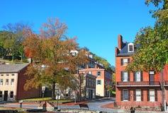 Harfiarzi Przewożą historycznego miasteczko w wczesnej jesieni, Zachodnia Virginia, usa zdjęcia stock