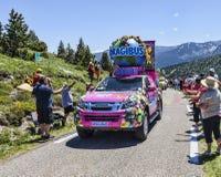 Haribo bil i Pyrenees berg Royaltyfri Bild