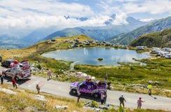 Haribo-Wohnwagen in den Alpen - Tour de France 2015 Lizenzfreie Stockfotos
