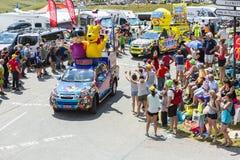 Haribo-Wohnwagen in den Alpen - Tour de France 2015 Lizenzfreies Stockfoto