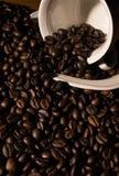 Haricots et cuvette de Coffe Images libres de droits
