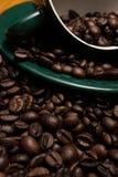 Haricots et cuvette de Coffe Photos libres de droits