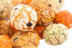Haricots japonais de bonbons (écrous) avec le manteau coloré de sucre, Photo libre de droits