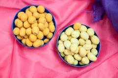 Haricots japonais de bonbons avec le manteau coloré de sucre Images libres de droits