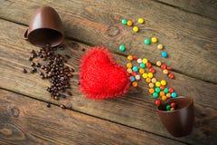 Haricots, sucreries et coeur rouge Images libres de droits
