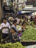 Haricots verts à vendre au marché Images stock
