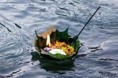 haridwar印度的叶子灯 库存照片