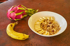 Harina de avena con el plátano fotos de archivo