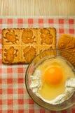 Harina y huevo para cocer Imágenes de archivo libres de regalías