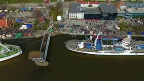 Haringendag in Kaliningrad stock videobeelden