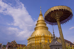 Hariphunchai-Tempel Lizenzfreie Stockfotografie