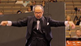 HARKÌV, UCRAINA, il 15 maggio 2018: Concerto dell'orchestra sinfonica Kapellmeister stock footage