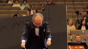 HARK?V, UCRAINA, il 15 maggio 2018: Concerto dell'orchestra sinfonica violini video d archivio