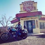 Harley Autoreise Ouarzazete Marrakesch Marokko Honda haben kundenspezifisches Freiheitskino Davidson die Hügel Augen lizenzfreies stockbild