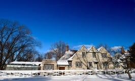 Harley Clarke Mansion Coachhouse coberto de neve fotos de stock royalty free