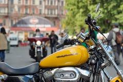 Harley-Davidson gulingmoped Fotografering för Bildbyråer