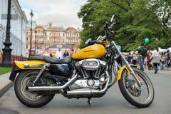 Harley-Davidson gulingmoped Royaltyfri Foto