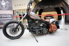 Harley Davidson motorcykel som visas på den 3rd upplagan av MOTO-SHOWEN i Krakow Royaltyfri Fotografi